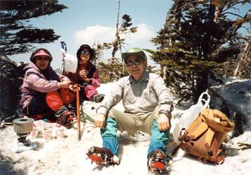 北横岳頂上での食事